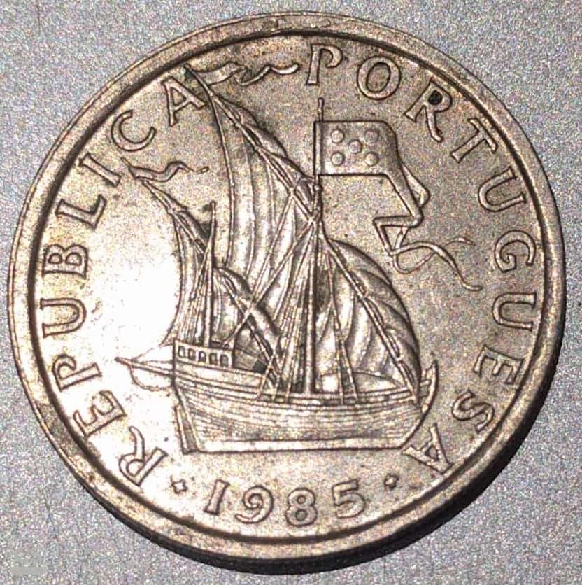 """PORTUGAL – 2.5 Escudos """"Sailing Boat"""" 1963-85 UNC (1245)"""