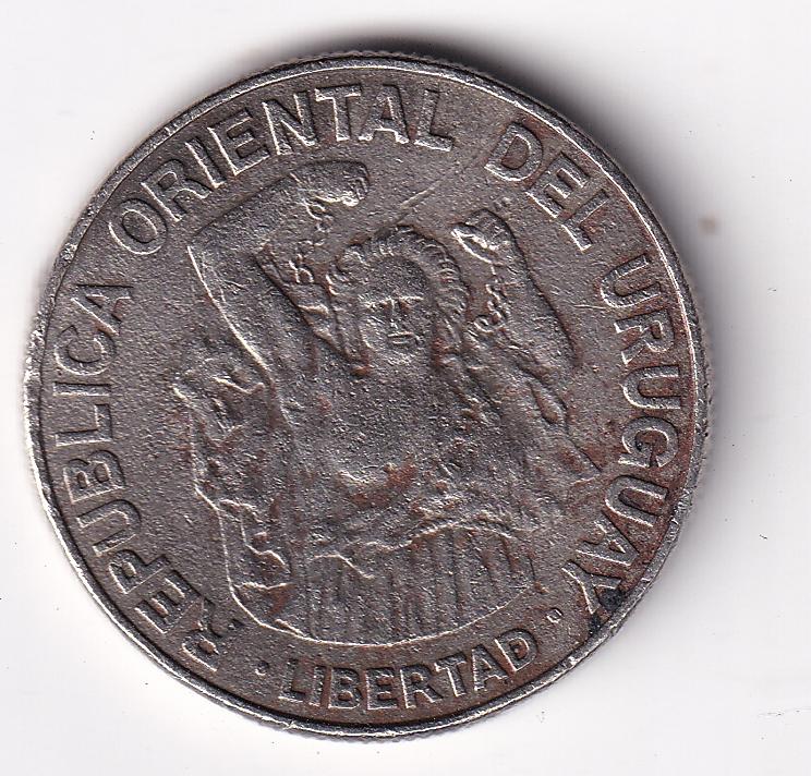 """URUGUAY – 200 Nuevos Pesos """"Liberty"""" 1989 XF (2069)"""